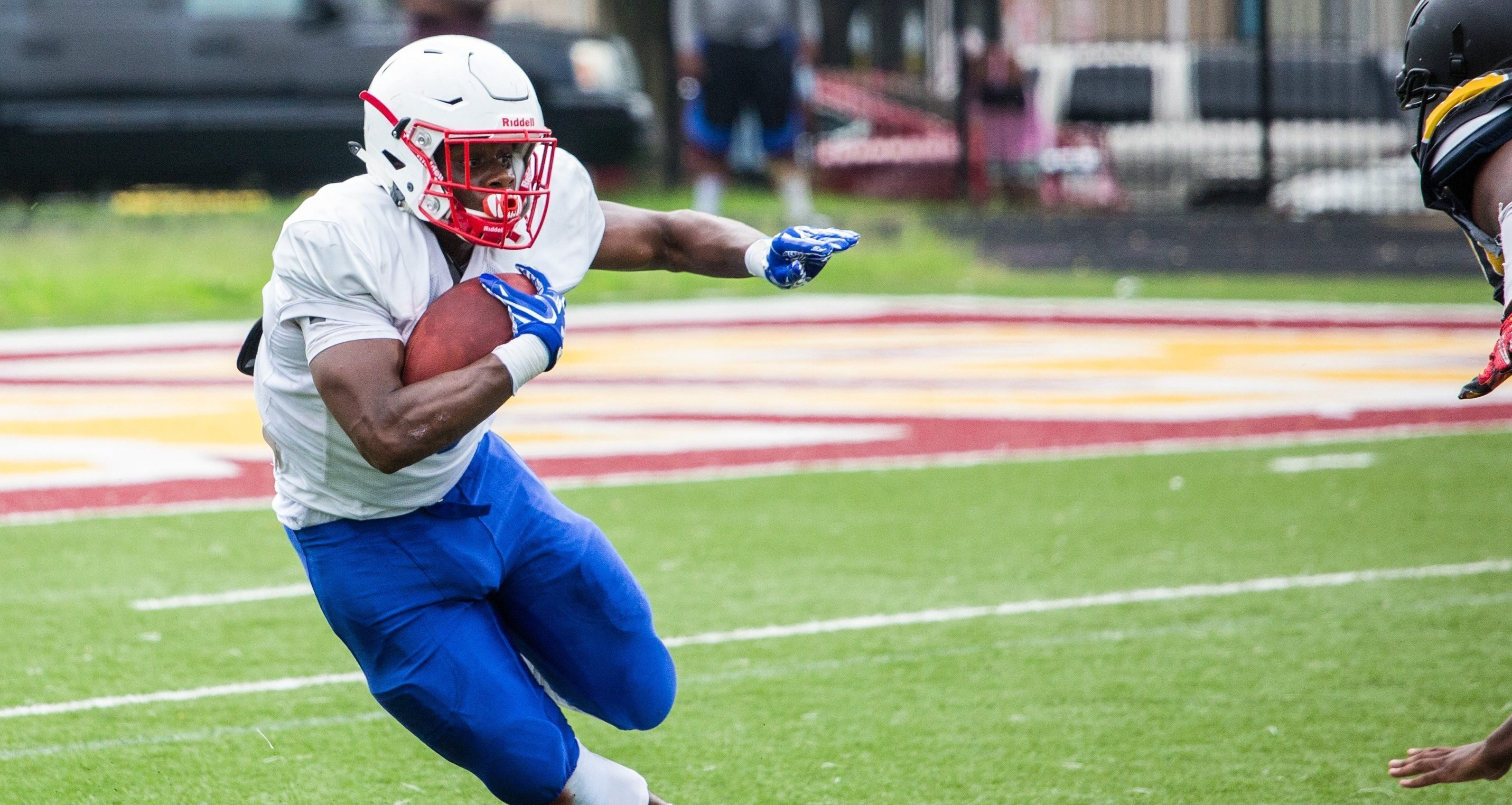 South Carolina lands surprise Memorial Day commitment from 4-star RB