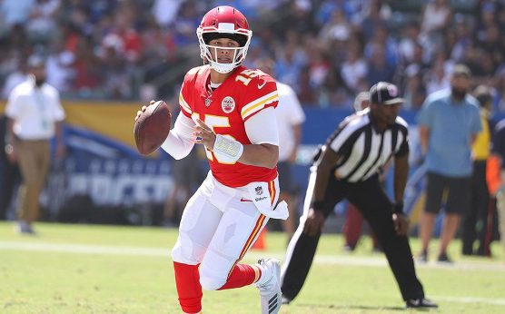 Sunday Night Football-SNF Betting Preview: Colts at Chiefs-Indianapolis Colts-Kansas City Chiefs-Patrick Mahomes-Jacoby Brissett-Darius Leonard-Andy Reid-T.Y. Hilton-